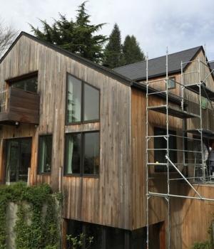 Rénovation maison bois  Dégrisement et saturateur coloris gris